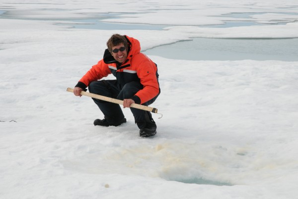 PhD candidate Dave Yurkowski's research finds climate change to impact Arctic ringed seals' behaviour patterns.