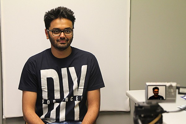 Rudresh Jha poses for his UwinCARD identification photo.
