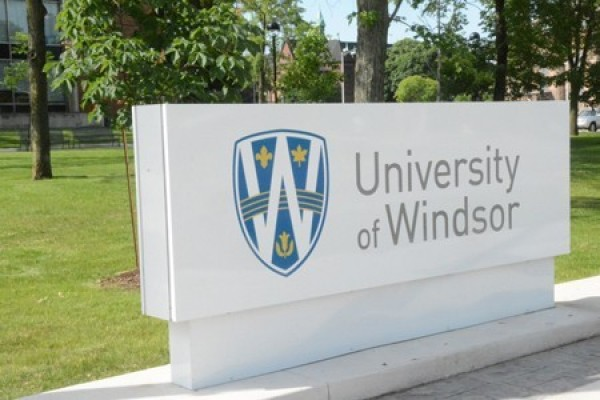 The UWindsor researchers' study was based on a 90-minute motivational nutrition education presentation developed by Food Network host Sandi Richard.